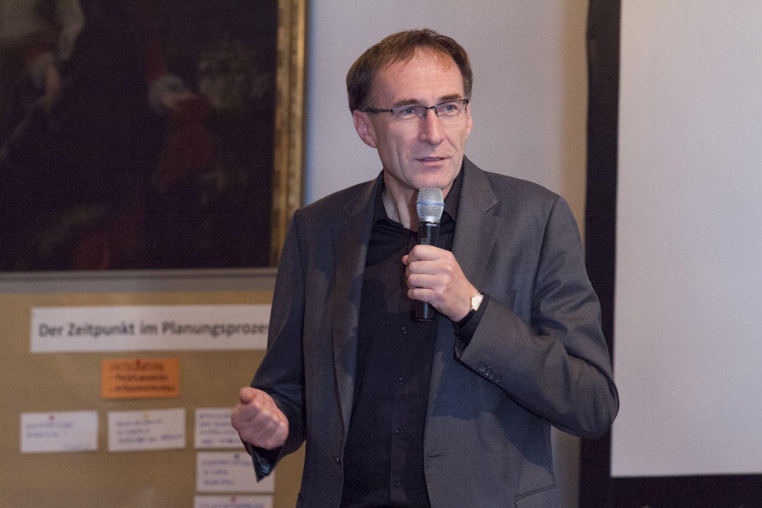 Der Baubürgermeister der Stadt Freiburg im Breisgau, Herr Prof. Dr. Martin Haag; Foto: A. J. Schmidt