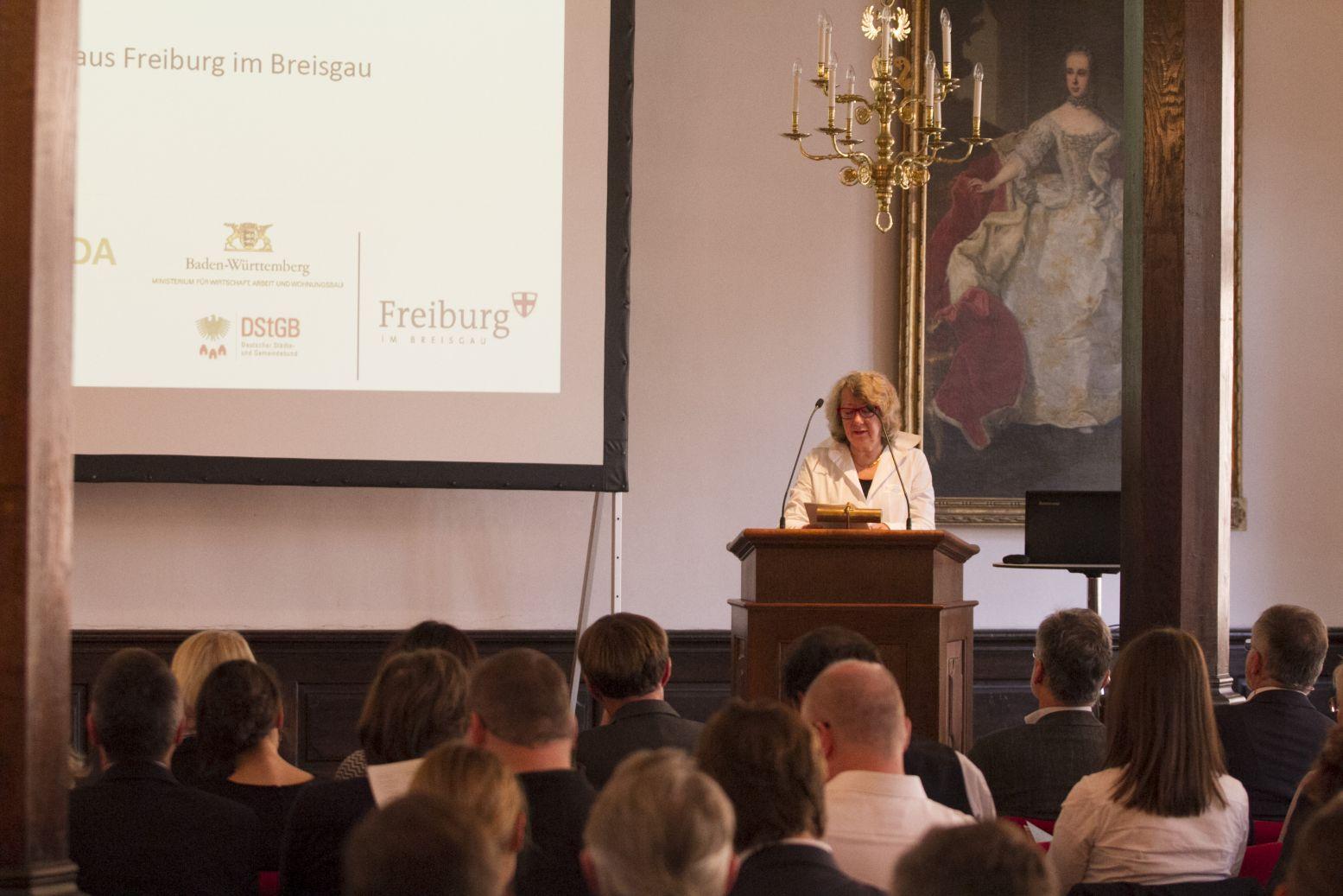 Die Leiterin der Abteilung Baurecht, Städtebau, Landesplanung im Ministerium für Wirtschaft, Arbeit und Wohnungsbau, Frau Kristin Keßler; Foto: A. J. Schmidt