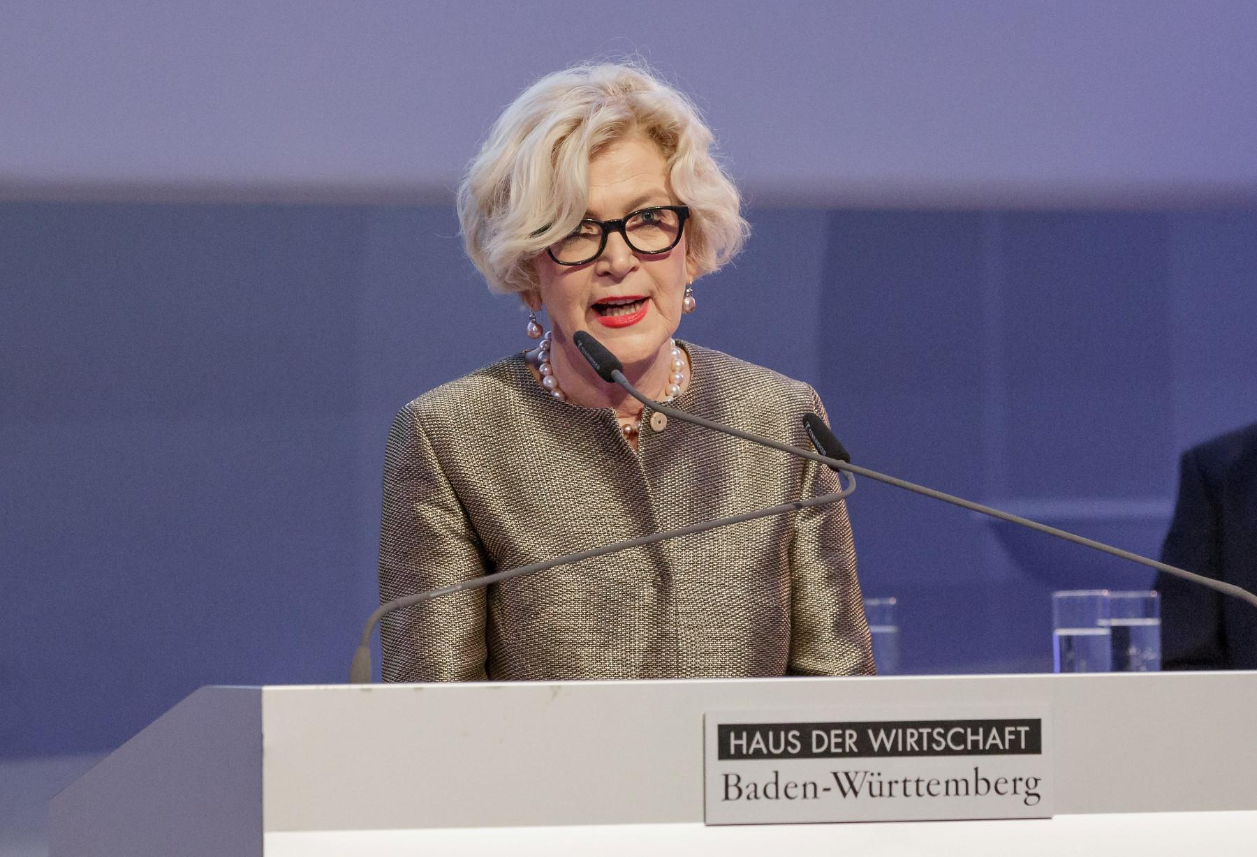 Verleihung_des_Staatspreis_Baukultur_Baden-Wu__rttemberg_2016_Laudatorin_Beispielausschnitt_web.jpg